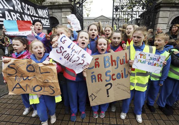 9689 School protest