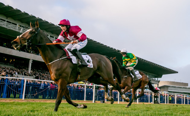 rachael-blackmore-onboard-notebook-comes-home-to-win