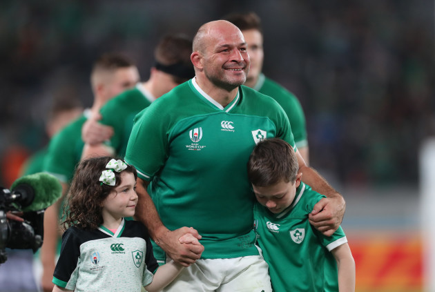 rory-best-with-his-daughter-penny-and-son-ben-after-the-game