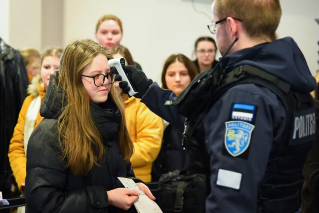 estonia-narva-covid-19-border-check