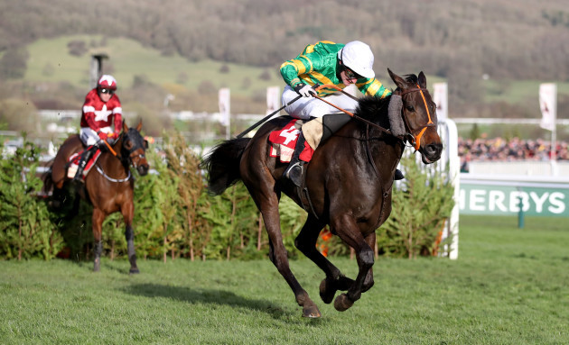 jonathon-plouganou-onboard-easysland-comes-home-to-win-ahead-of-keith-donoghue-onboard-tiger-roll