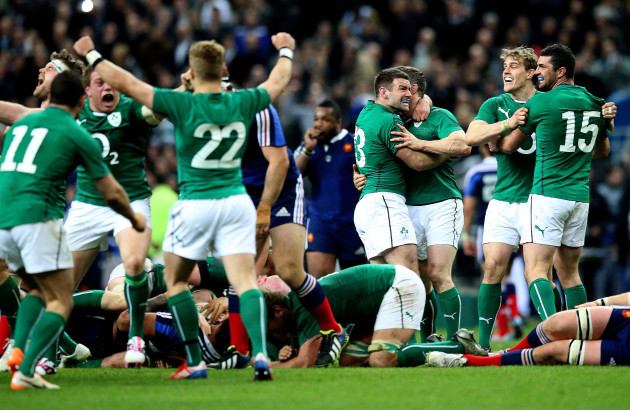 fergus-mcfadden-brian-odriscoll-andrew-trimble-and-rob-kearney-celebrate-at-the-final-whistle