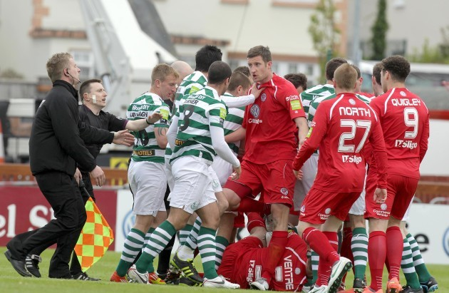 scuffles-erupt-between-sligo-rovers-and-shamrock-rovers-players