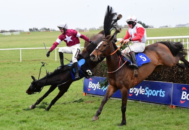 pierce-molony-memorial-grade-3-steeplechase-day-thurles-racecourse