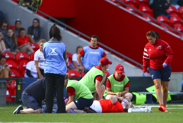 niamh-briggs-receives-medical-attention