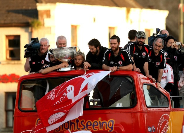 the-tyrone-team-arrive-with-the-sam-maguire
