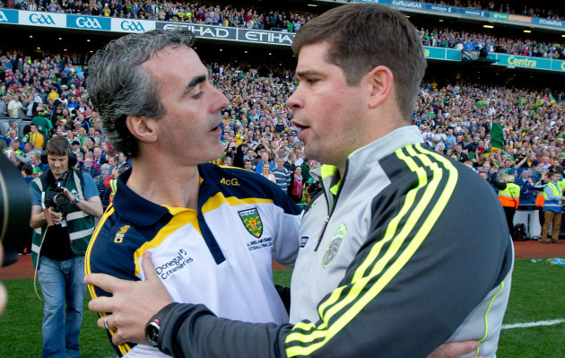 jim-mcguinness-congratulates-eamonn-fitzmaurice-after-the-game