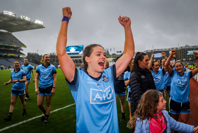 noelle-healy-celebrates-after-the-game