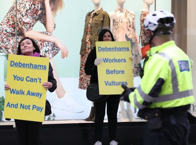 004 Debenhams Protest