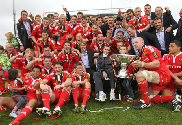 paul-oconnell-lifts-the-magners-league-trophy