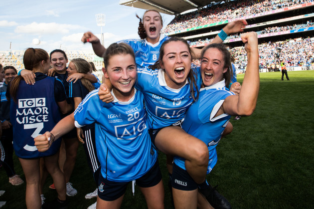 kate-fitzgibbon-celebrates-after-the-game-with-aoife-kane-lauren-magee-and-eabha-rutledge