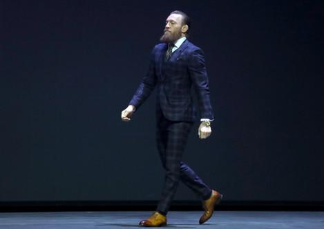 conor-mcgregor-walks-onto-the-stage