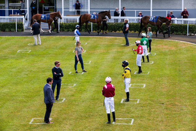 a-view-of-social-distancing-in-the-parade-ring-before-the-first-race
