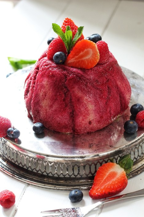 Brioche Summer berry pudding