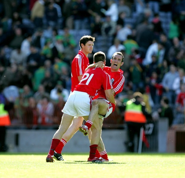 kieran-oconnor-jumps-into-the-arms-of-eoin-cadogan-at-the-final-whistle