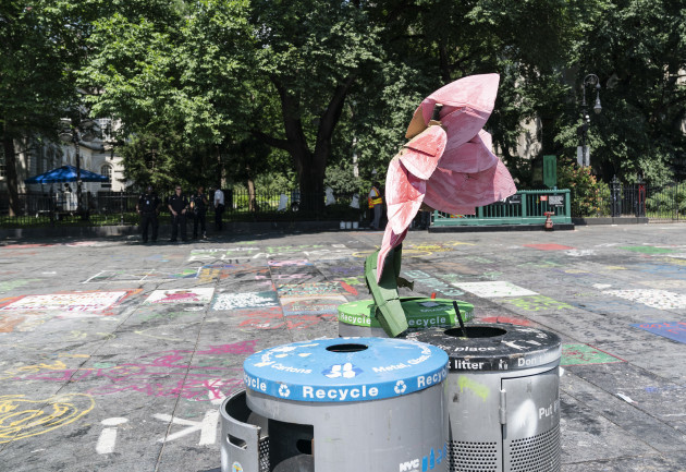 ny-city-hall-protest-encampment-clean-up