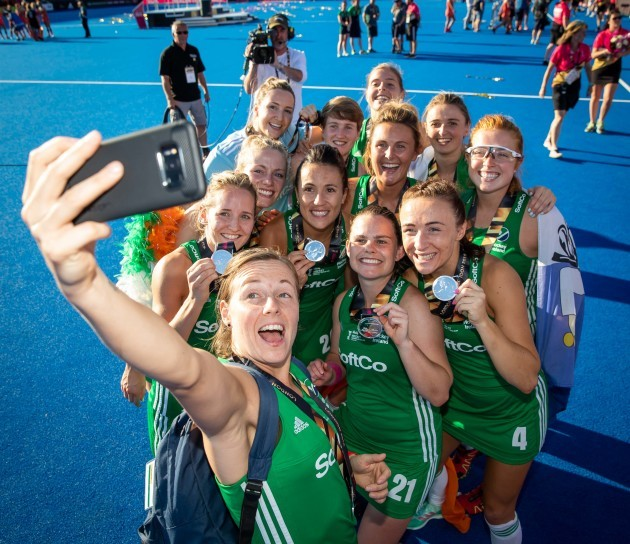 ireland-players-celebrate-with-their-silver-medals