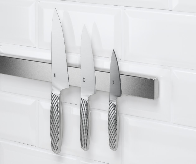KUNGSFORS Magnetic knife rack, stainless steel €15 (2)
