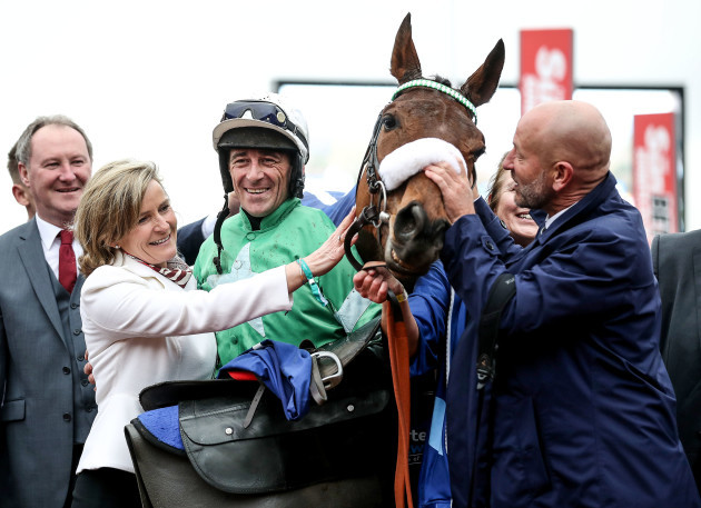 davy-russell-celebrates-winning-with-presenting-percy-phillip-reynolds-and-wife-anne