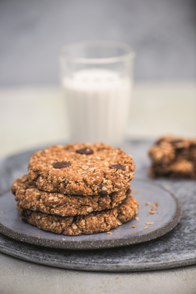 Chewy Oat Chocolate Chip Cookies p272 - small