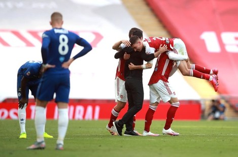 arsenal-v-chelsea-heads-up-fa-cup-final-wembley-stadium