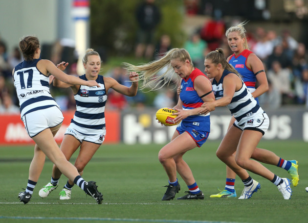 aflw-bulldogs-cats