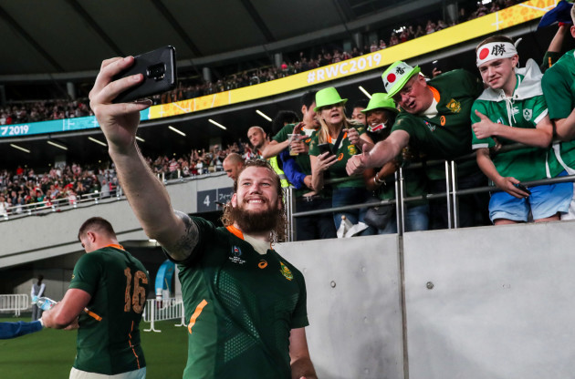 rg-snyman-takes-a-selfie-with-fans