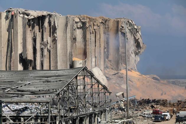 spot-newslebanon-beirut-huge-explosions-aftermath