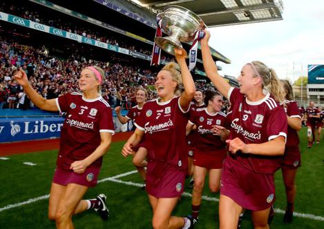 sarah-dervan-shauna-healy-and-niamh-kilkenny-celebrate