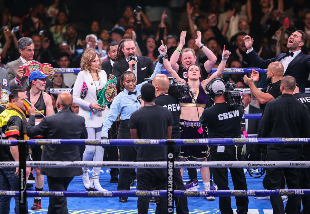 katie-taylor-is-declared-the-winner