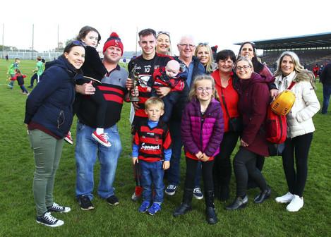dessie-hutchinson-celebrates-with-his-family