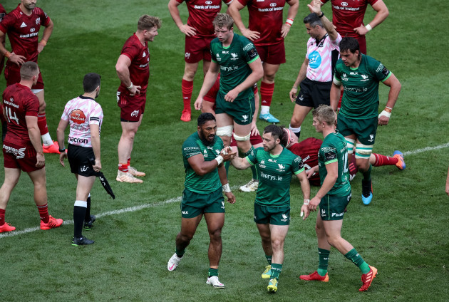 bundee-aki-celebrates-with-caolin-blade-after-scoring-a-try