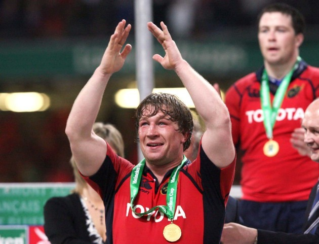 jerry-flannery-gets-his-heineken-cup-medal