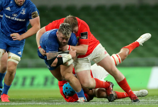 tadhg-beirne-and-stephen-archer-tackle-andrew-porter