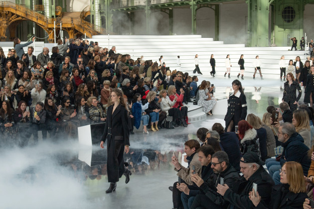 chanel-catwalk-paris-fashion-week-february-2020
