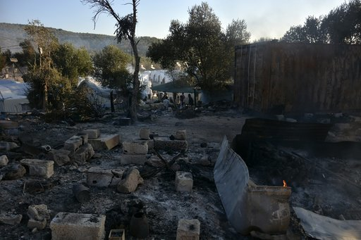 greece-migrant-camp-blaze