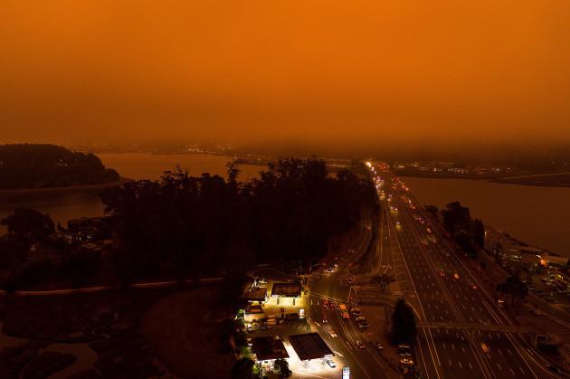 ca-orange-fog-shrouds-bay-area