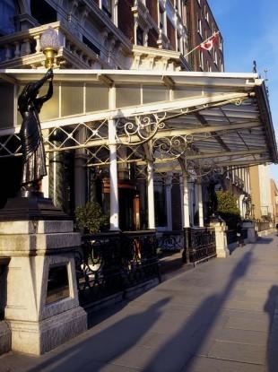 shelbourne-hotel-st-stephens-green-dublin-co-dublin-ireland-hotel-exterior-310x415