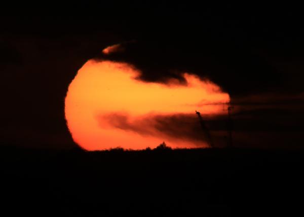 SETTING SUN 1L2A1023