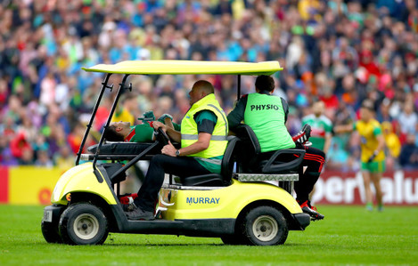 jason-doherty-leaves-the-field-injured