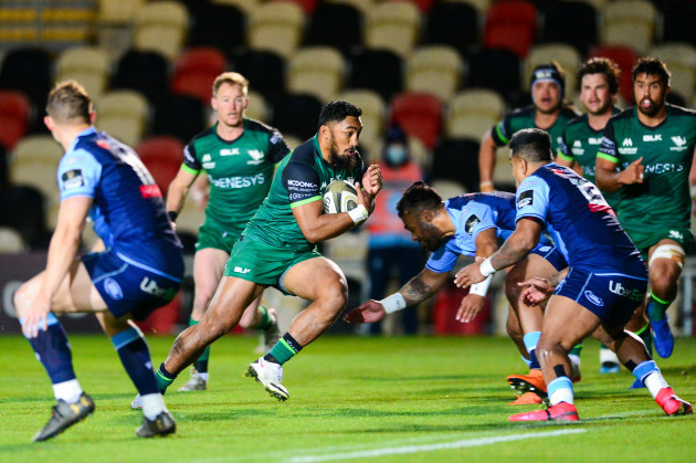 bundee-aki-comes-up-against-rey-lee-lo