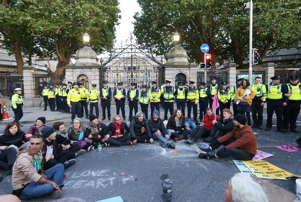 006 Budget Press Arrests