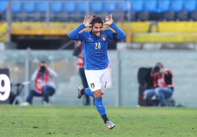 riccardo-sottil-celebrates-scoring-their-first-goal