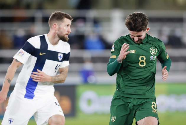 sean-maguire-dejected-after-a-missed-chance