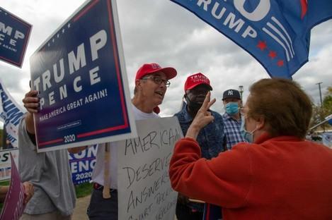 oh-biden-and-trump-supporters-gather-in-cincinnati-as-biden-speaks-in-the-area