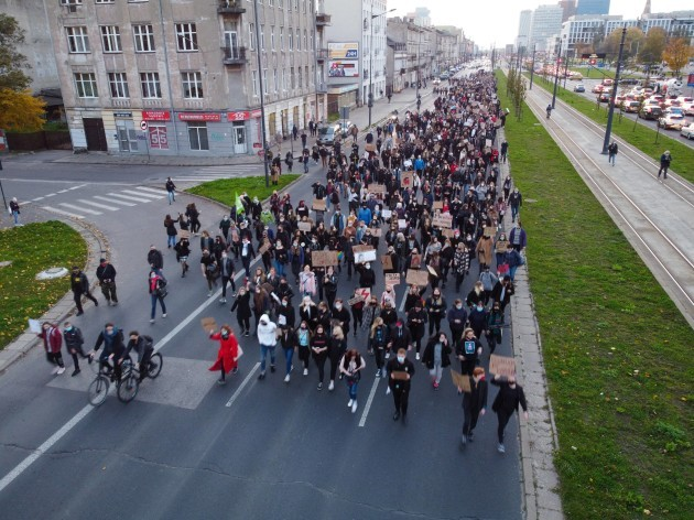protests-over-abortion-law-continue-poland