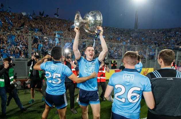 brian-fenton-celebrates-with-the-sam-maguire-in-front-of-hill-16