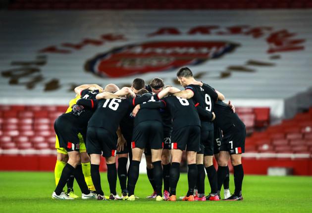 the-dundalk-team-huddle