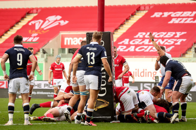 rhys-carre-scores-a-try