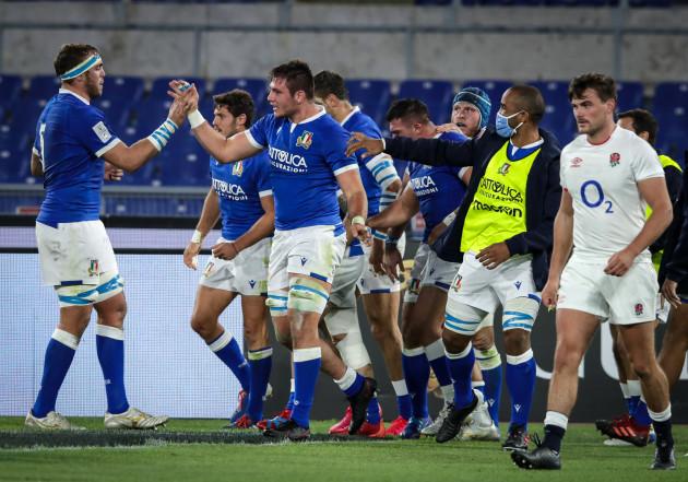 jake-polledri-celebrates-scoring-a-try-with-his-team